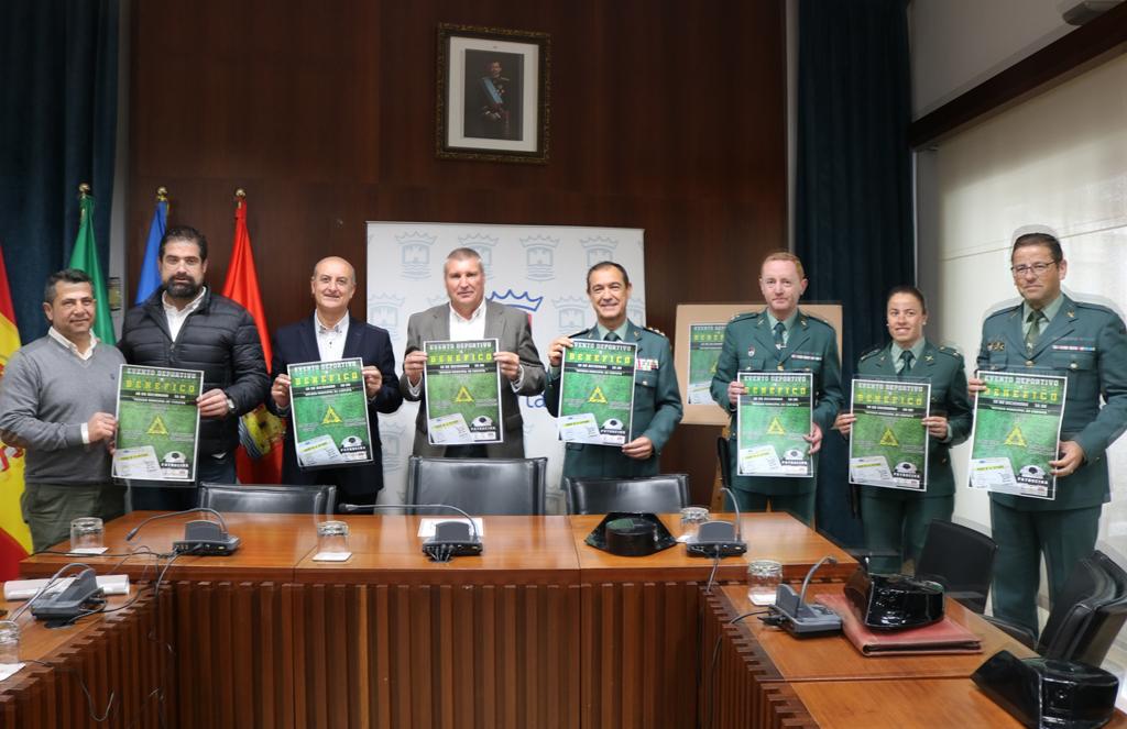 Presentacion de un torneo benéfico de fútbol en el Ayuntamiento de Cartaya