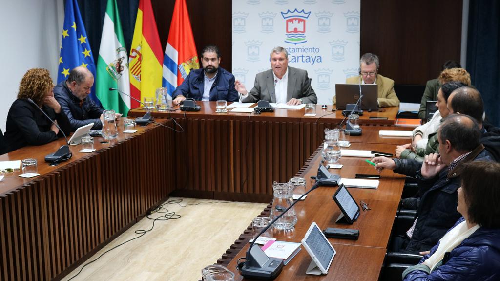 Pleno extraordinario de noviembre en el Salón de Plenos del Ayuntamiento de Cartaya