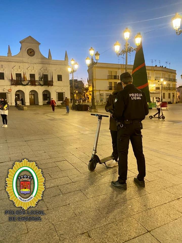 El Ayuntamiento y la Policía Local intensifican los controles en el uso de patinetes eléctricos en la localidad.