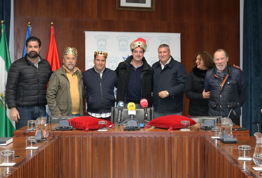 El Ayuntamiento de Cartaya corona a los Reyes Magos de la Cabalgata de 2019