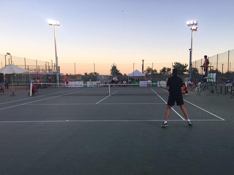 Cartaya abre el lunes las pistas de tenis, padel y atletismo, según anuncia el Ayuntamiento.