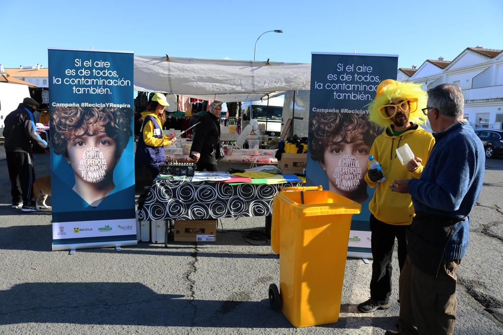Campaña de reciclaje en el mercadillo