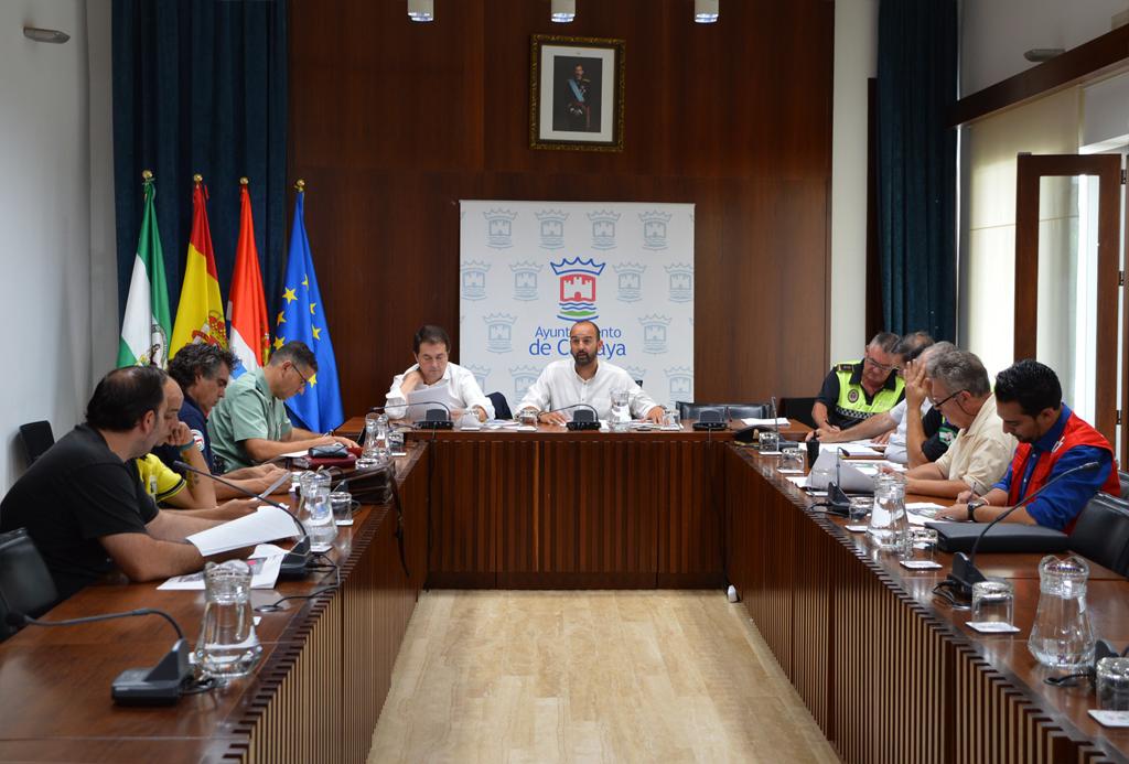 El concejal de Seguridad Ciudadana, Cristóbal Taviara, preside la Junta Local de Seguridad de la Feria de Octubre
