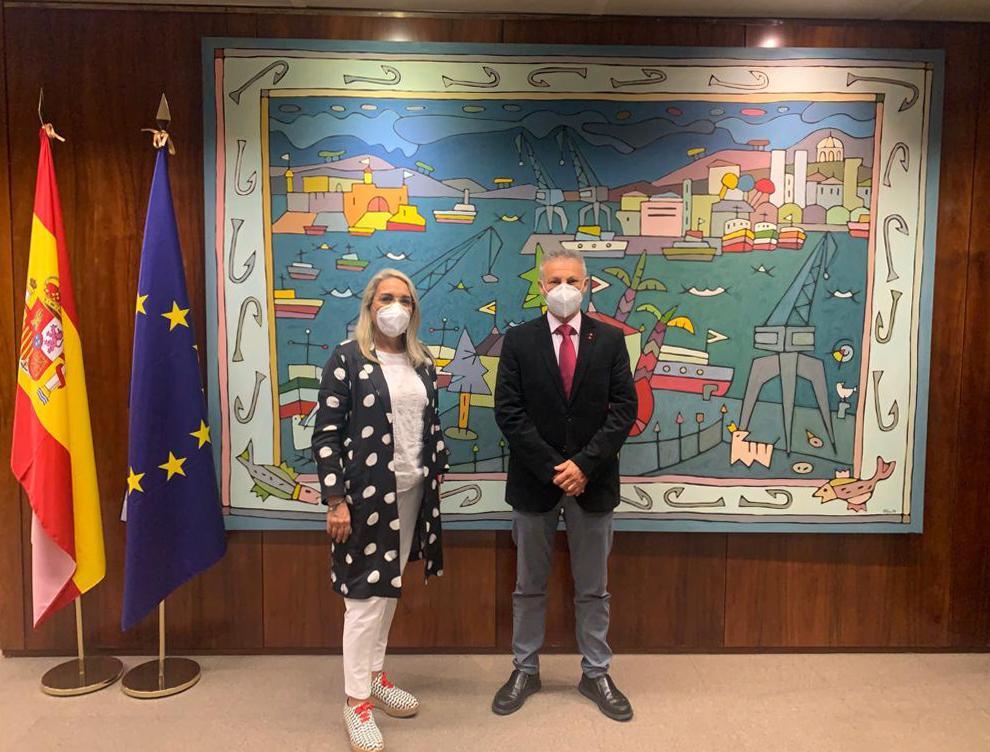 La alcaldesa se reúne en Madrid con el Presidente de Puertos del Estado y le traslada el proyecto del Faro de El Rompido como espacio cultural