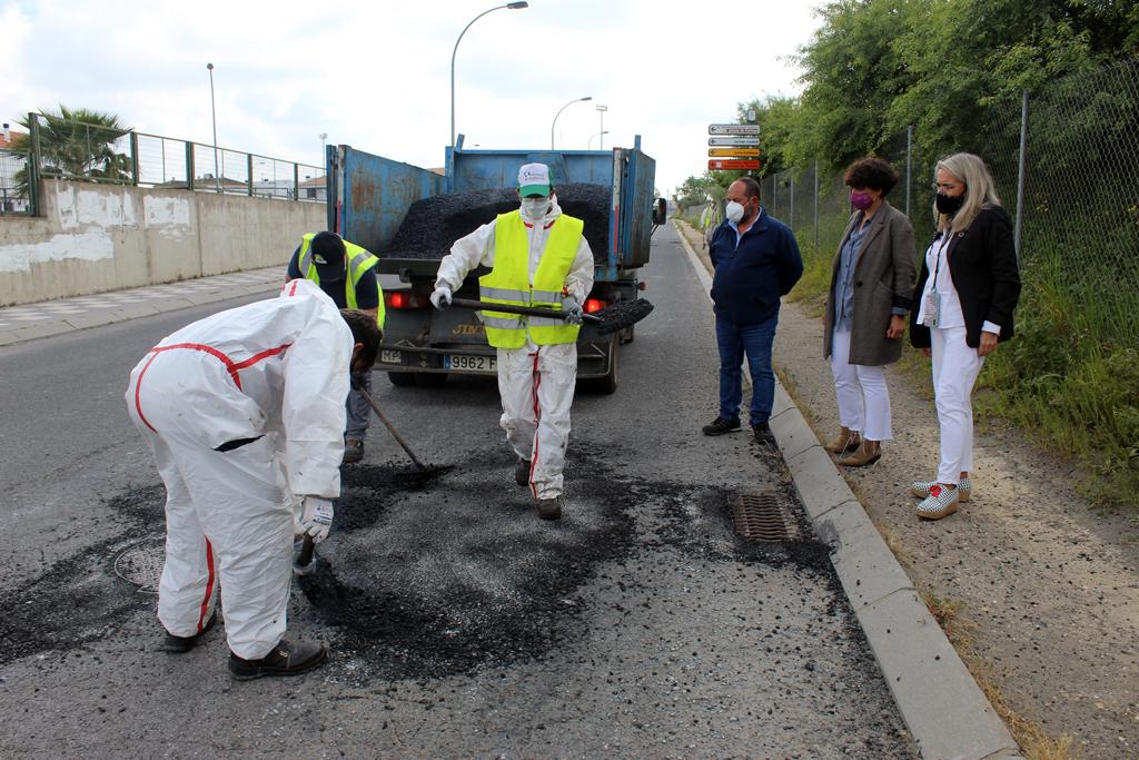 El Ayuntamiento desarrolla una amplia actuación de mantenimiento y arreglo de calles en Cartaya, El Rompido y Nuevo Portil