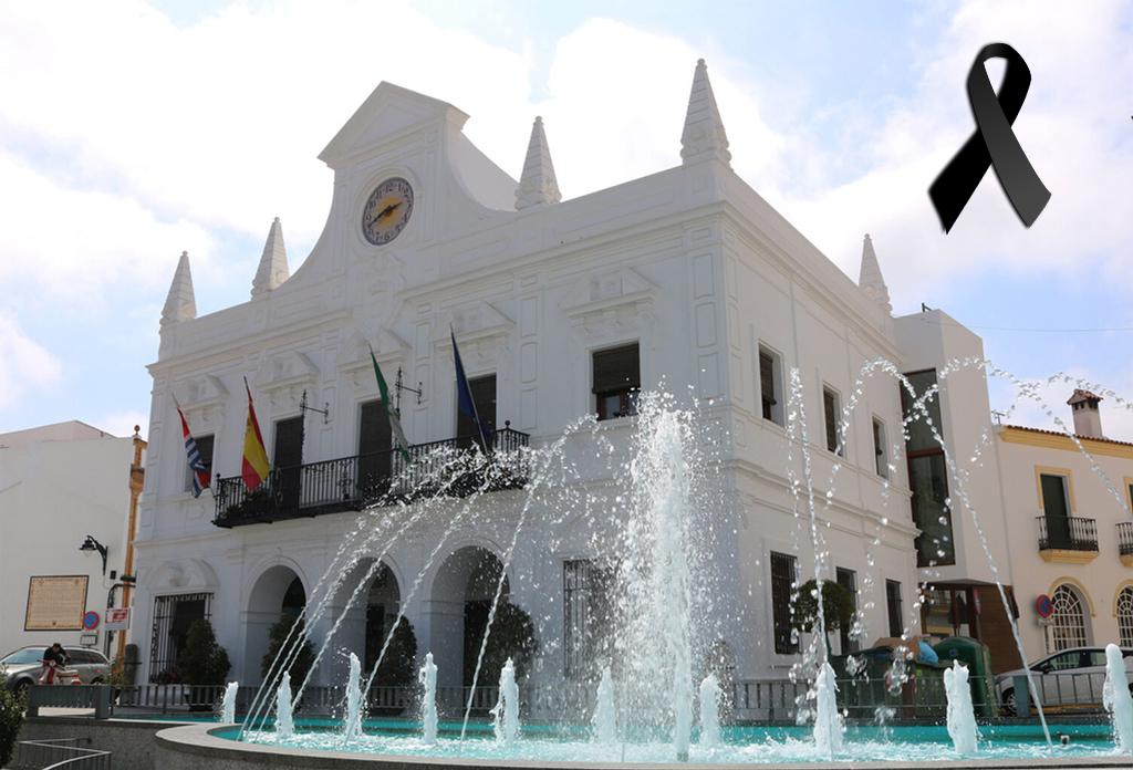 El Ayuntamiento de Cartaya lamenta el fallecimiento de un vecino por COVID-19 y pide a la población mantener las medidas de protección para evitar contagios
