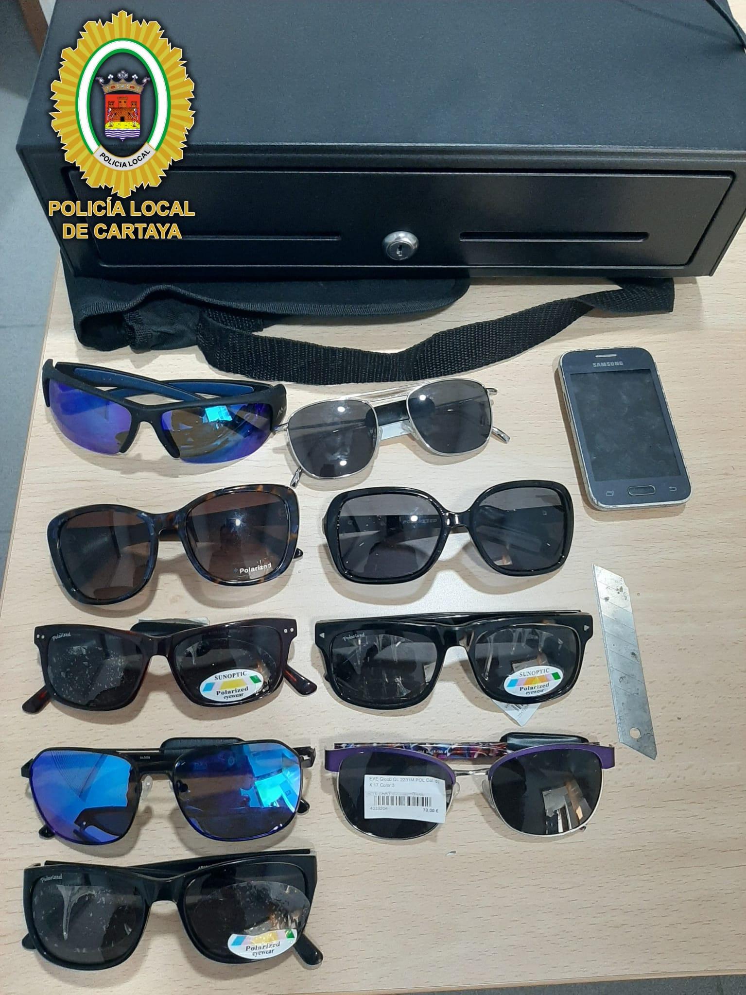 La Policía Local de Cartaya esclarece el robo de una óptica en cuatro horas.