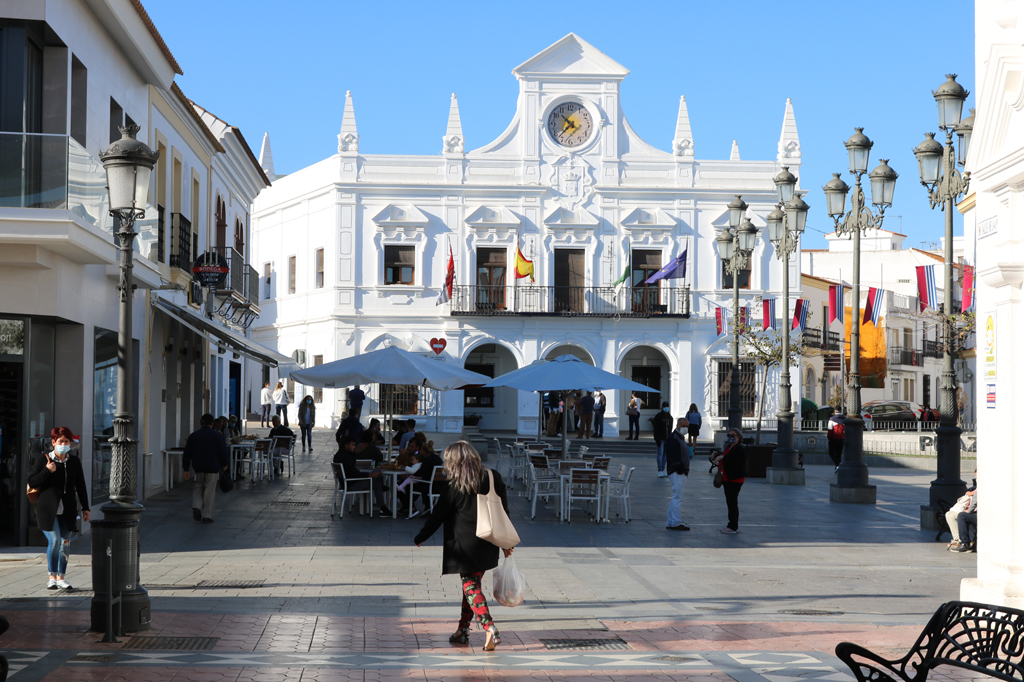 Los autónomos y microempresas cartayeros pueden solicitar durante este mes de octubre las ayudas habilitadas por el Ayuntamiento de Cartaya por el cierre de sus establecimientos durante el Estado de Alarma.