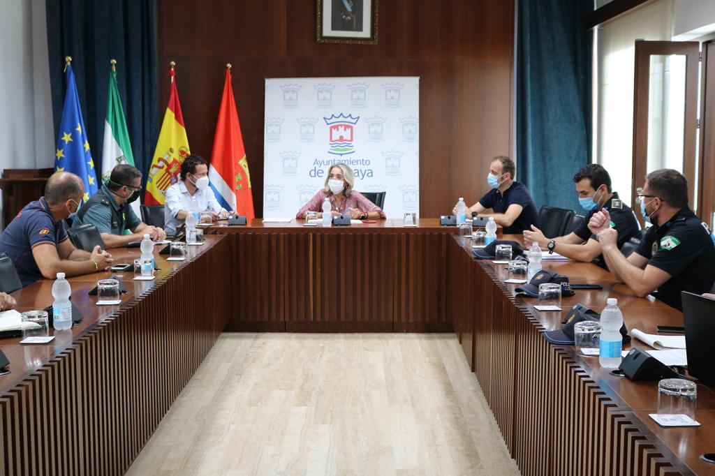 La Comisión de Seguridad del COVID-19 se reúne en el Salón de Plenos del Ayuntamiento de Cartaya para analizar la situación de la pandemia en la localidad.