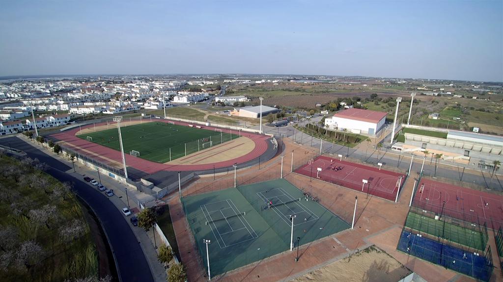 Deportes amplía el horario de las escuelas y recupera actividades como natafitness, pilates y los cursos de natación