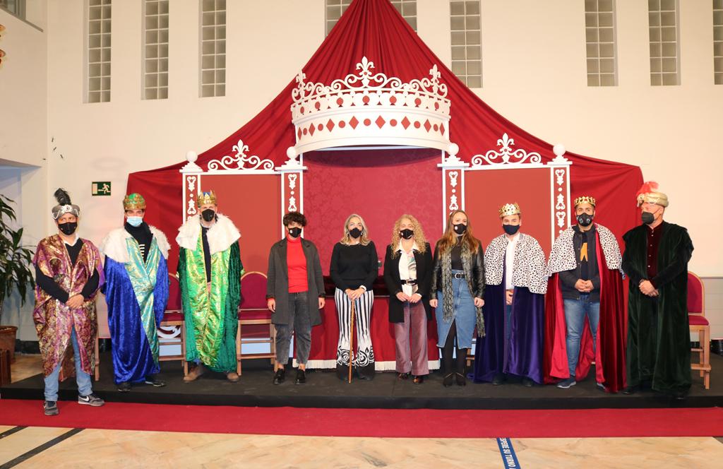 El Ayuntamiento corona a los Reyes Magos de Cartaya y El Rompido y les encomienda repartir magia e ilusión