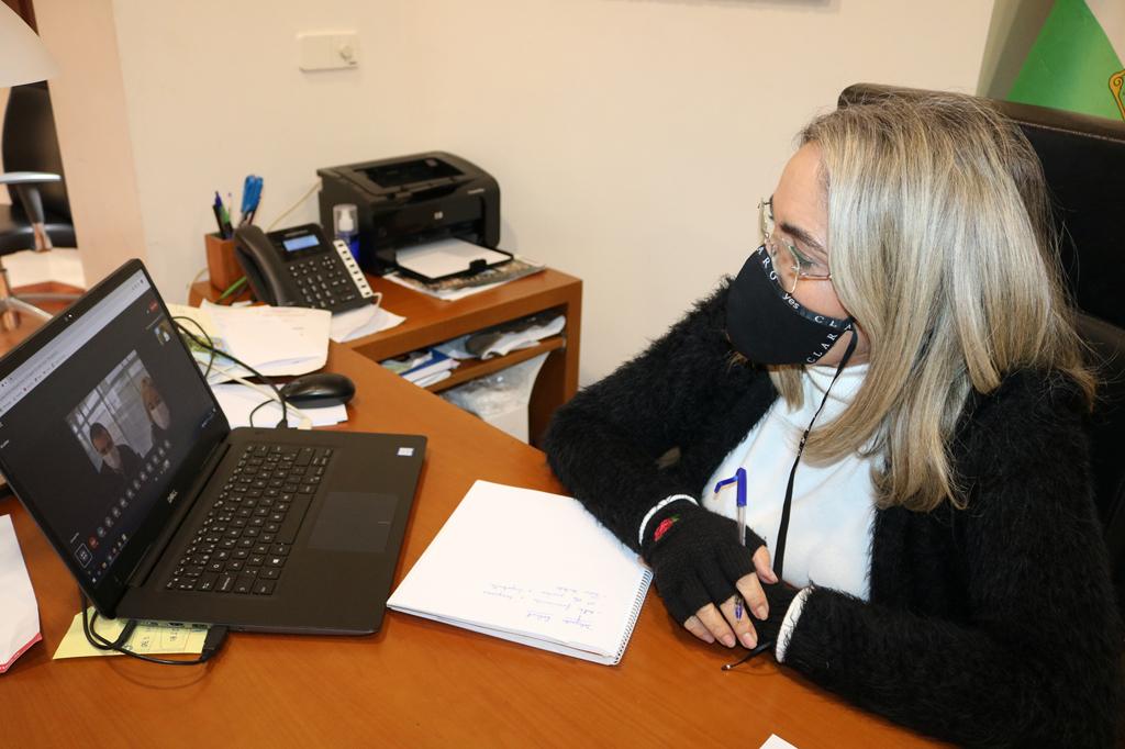 La alcaldesa de Cartaya hace un llamamiento a la responsabilidad tras la reunión mantenida con la Delegada de Salud para abordar la evolución de la pandemia de Covid-19.