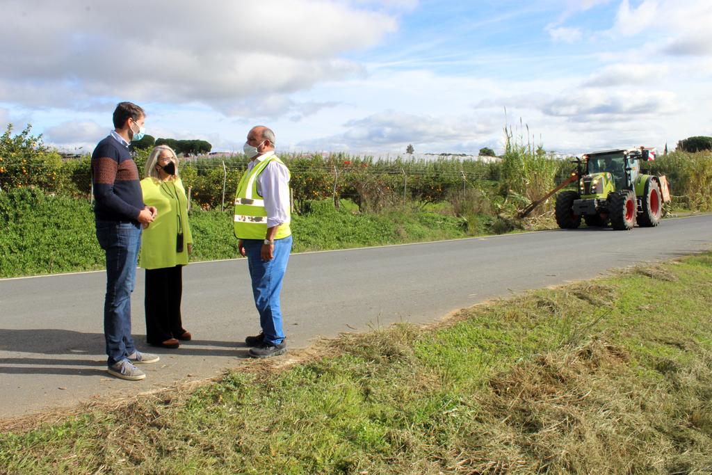 El Ayuntamiento recuerda a los propietarios y propietarias de fincas que deben implicarse en el mantenimiento de las cunetas de los caminos rurales.