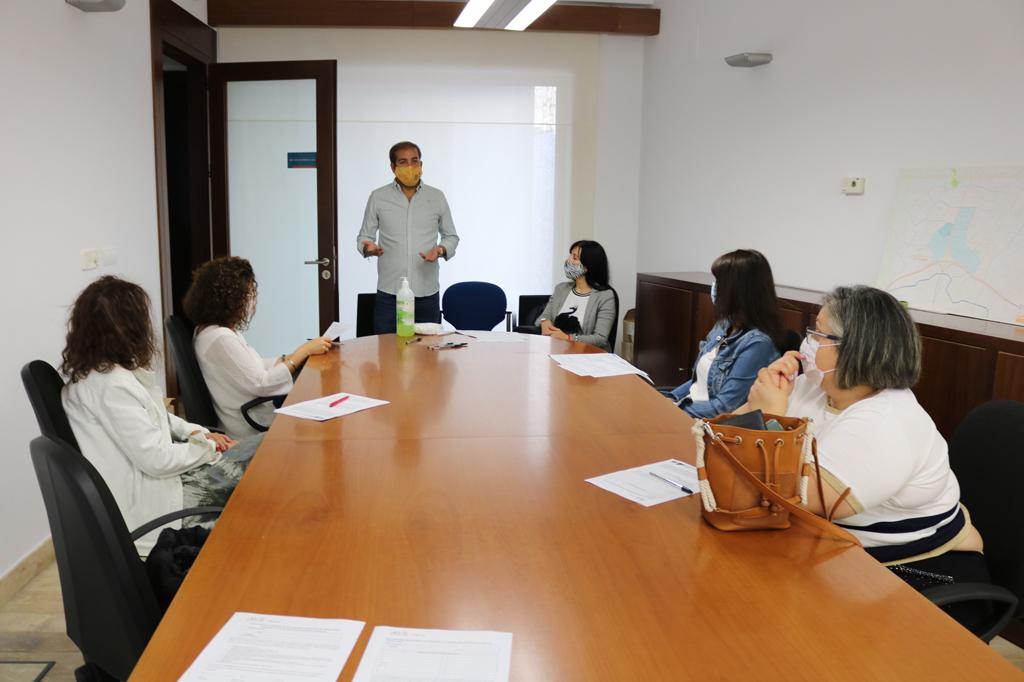 Los/as monitores/as de infantil que se incorporan a los centros escolares de Cartaya reciben formación sobre Prevención de Riesgos Laborales.