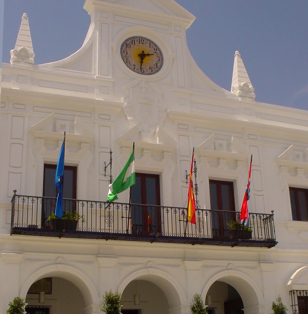 El Ayuntamiento de Cartaya dedica sus honores y distinciones de 2021 a los trabajadores y trabajadoras de los servicios esenciales durante el estado de alarma.