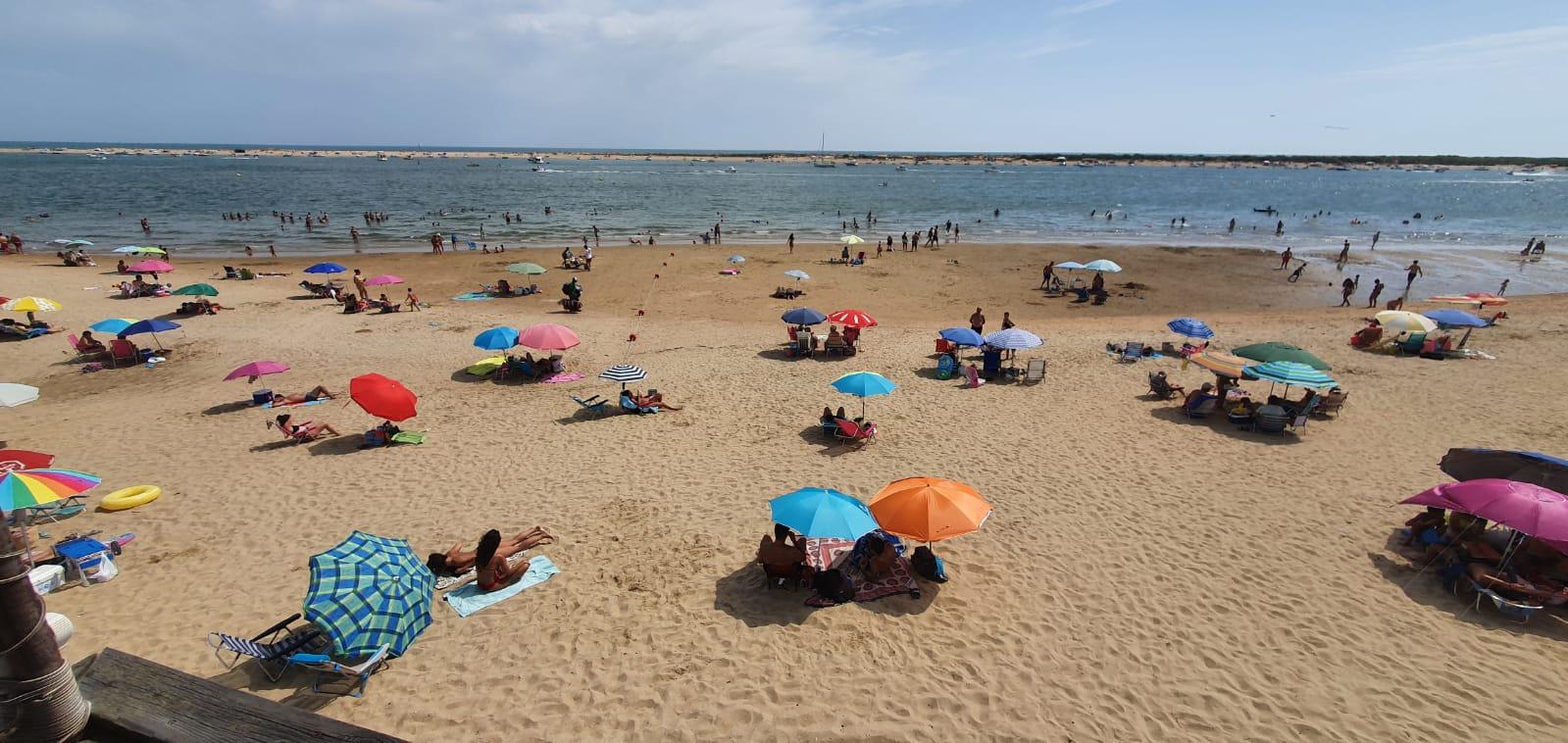 Fotografía realizada por el servicio de Cruz Roja en las playas de Cartaya esta misma tarde (11/07/20)