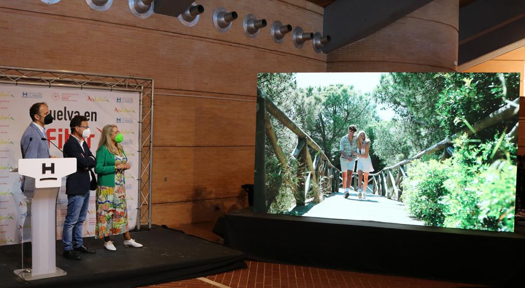 Cartaya presenta en FITUR 'Volver', un video homenaje a las emociones