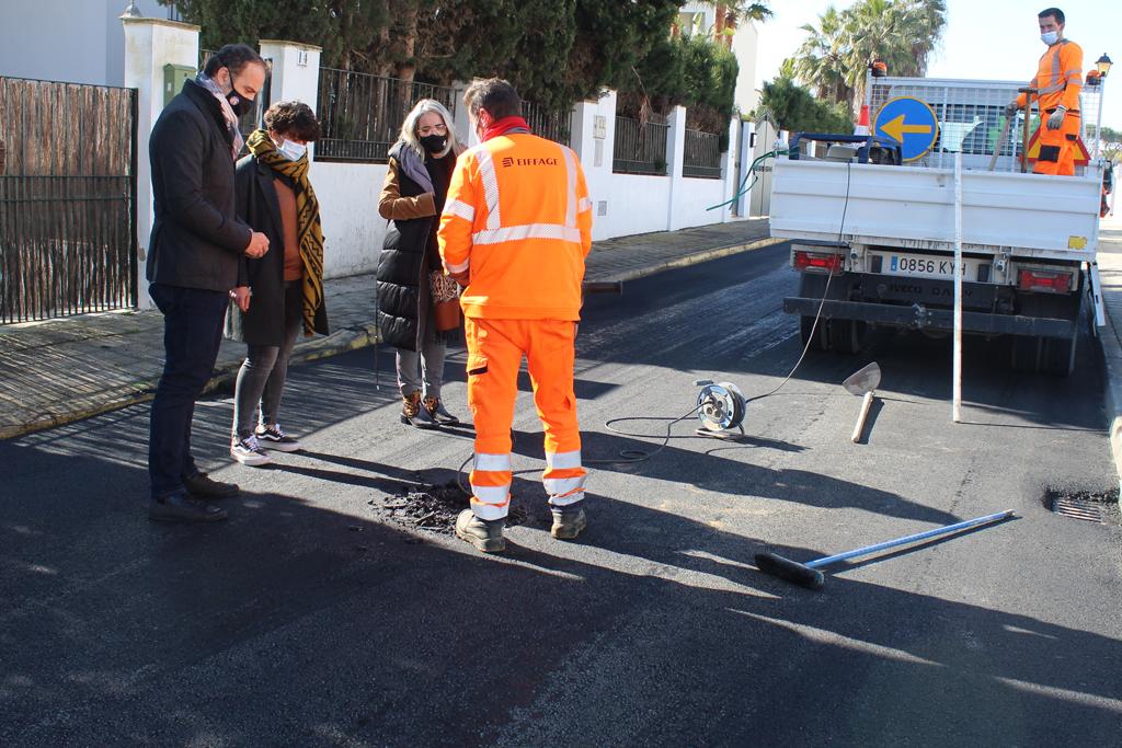 El Ayuntamiento de Cartaya acomete el asfaltado de calles en los tres núcleos: Cartaya, El Rompido y Nuevo Portil.