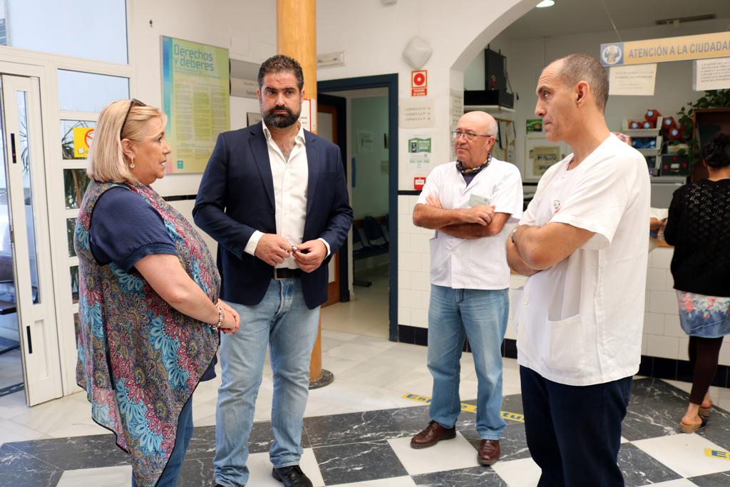 La Delegada de Salud de la Junta en Huelva visitó el Centro de Salud de Cartaya en junio.