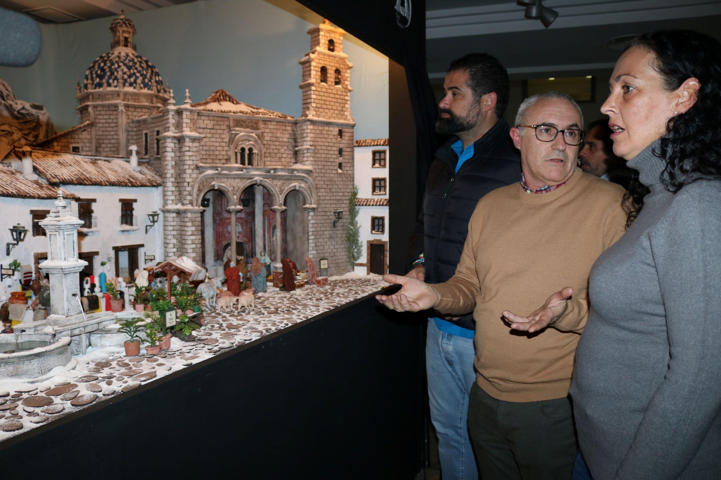 Inaugurado el Belén Municipal del Ayuntamiento de Cartaya, obra de Paco Villegas.