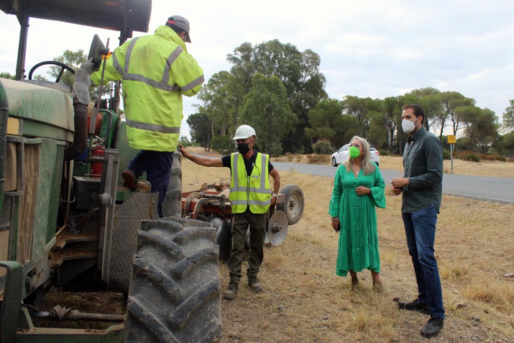 Comienza la realización de cortafuegos en el pinar de Cartaya, tras la firma del convenio del monte
