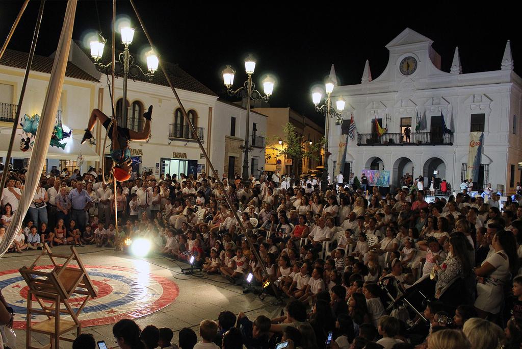 La VI Noche en Blanco convocó en el centro de Cartaya a más de 5.000 personas.