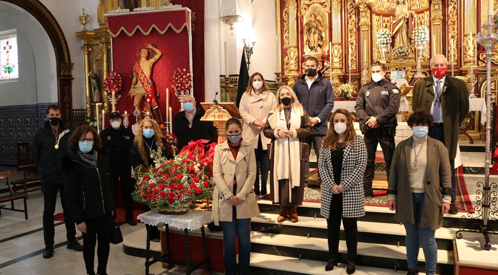 Cartaya celebra el Día de San Sebastián con una ofrenda floral institucional de la Corporación Municipal.