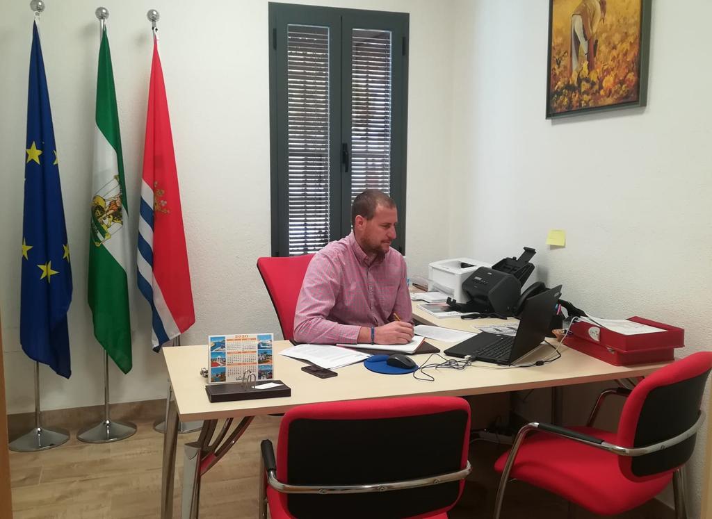 El Ayuntamiento de Cartaya trabaja en coordinación con el resto de administraciones y el sector turístico .