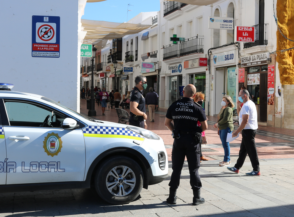 El Ayuntamiento de Cartaya refuerza los controles y la vigilancia para controlar el cumplimiento de la normativa por el COVID-19