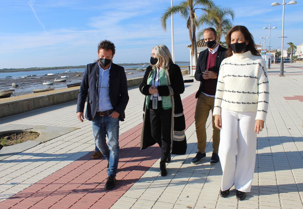 Un anfiteatro en el Paseo Marítimo de El Rompido y rutas para dar a conocer el patrimonio, nuevos proyectos turísticos